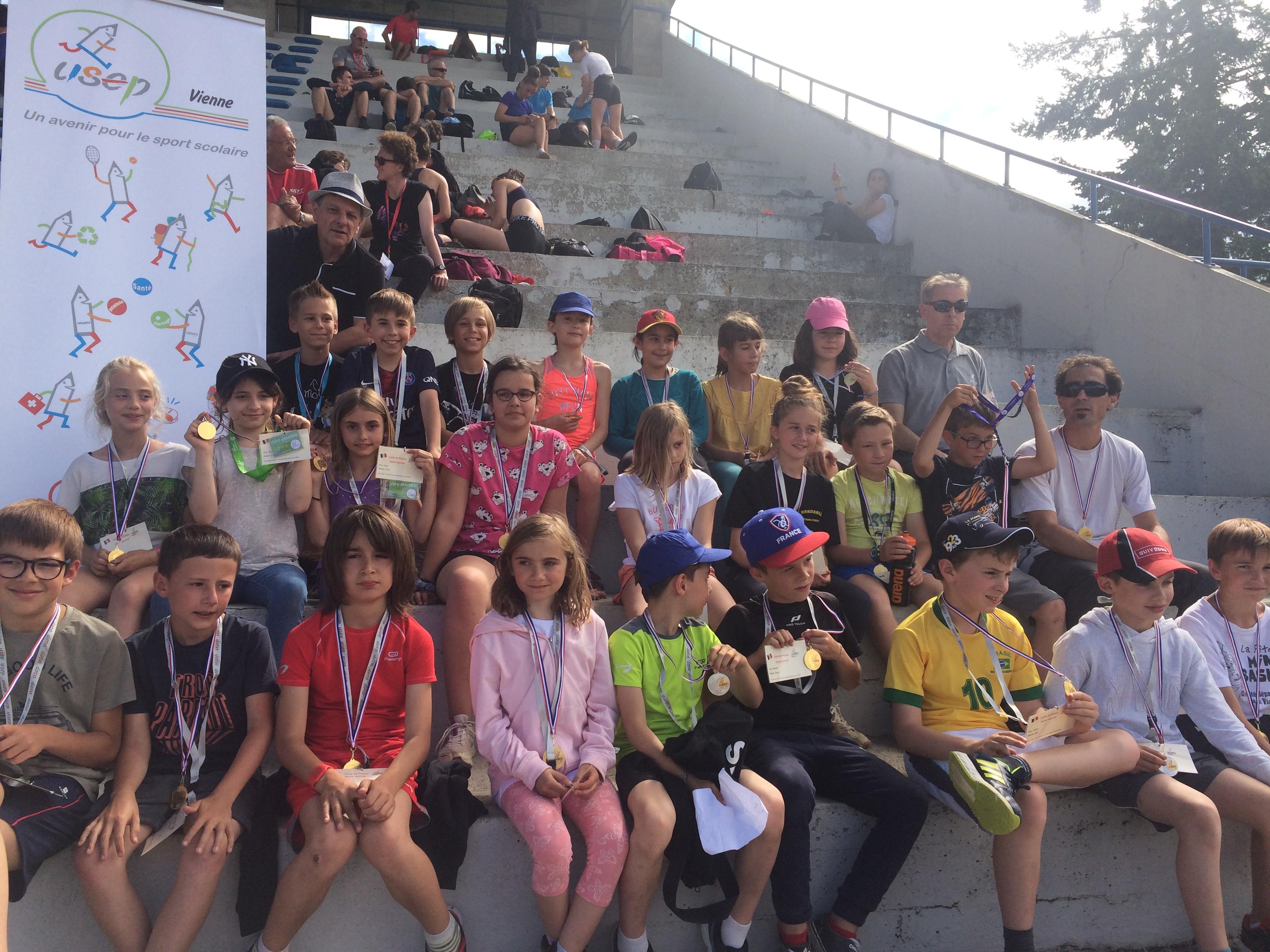 Les jeunes reporters au championnat de France UNSS athlétisme
